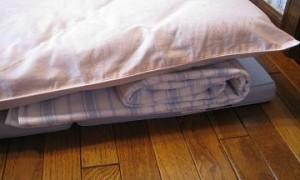 タオルケットで作った枕