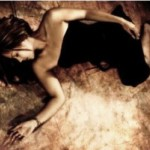 金縛りの原因と8つの対策法|睡眠障害に横向き寝のススメ