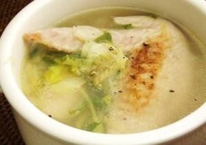 肌荒れに効く手羽先のスープ