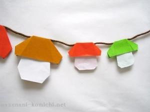 折り紙で作るハロウィーンガーランド
